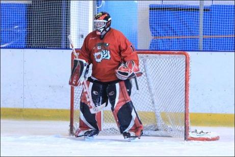 En gång målvakt, alltid målvakt även om det numer bara gäller ishockey.