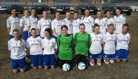 IFK Timrå 2 åkte egentligen ur trean med då det inte blev någon damfyra i år så fick man vara kvar.