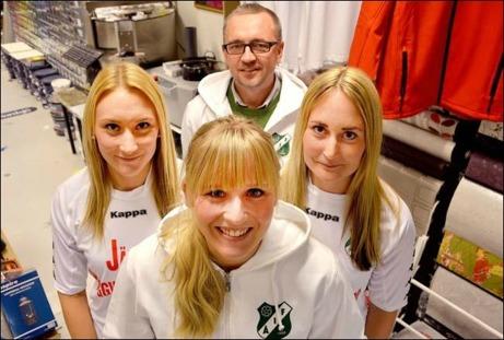 Linda Borthan, Therese Nordlund och Elin Borthan är tre av spelarna från nedlagda Torpshammars IF i Ånge IF:s nya damsatsning. Foto: Micke Engström, Dagbladet.
