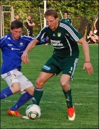 Luckstas spelande tränare Robert Johansson klev fram mot Essvik och svarade för ett hattrick, varav två av målen kom på nick. Något som inte tillhör vanligheterna. Arkivbild: Janne Pehrsson, Lokalfotbollen.nu.