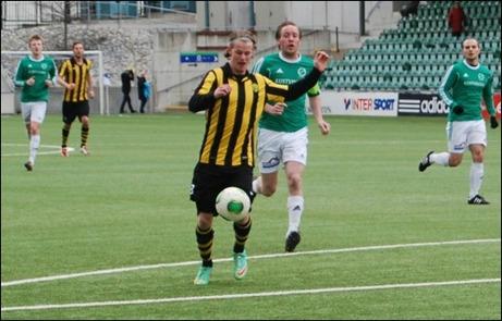 Daniel Johansson var inte speciellt schyst mot sina gamla lagkamrater. Danne gjorde nämnligen hattrick när Kuben körde över Essvik med 8-0. Foto: Janne Pehrsson, Lokalfotbollen.nu.