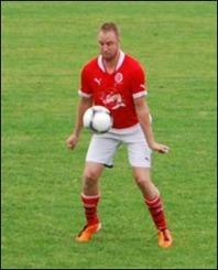 Johan Smott klev  in otränad och leverarade direkt för sitt Svartvik i sin comeback.