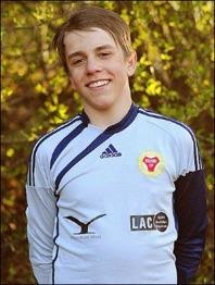 Filip Limmerdal storspelande i Sund-målet och grejade en pinne mot Essvik 2.