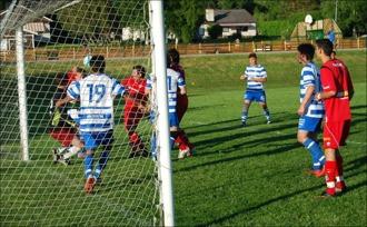 Nära 1-0 för Granlo men Tommy Göransson reder ut situationen med en dubbel (!) fotparad!
