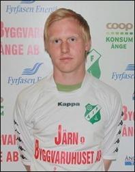 Två mål av Andreas Modén räckte inte bara till seger i derbyt utan även fortsatt jakt på skytteligatiteln.