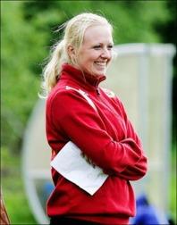 Sund mittfältare Petra Blückert var planens bäste spelare när laget vände 0-2 till seger mot Timrå 2 hemma på Maland.