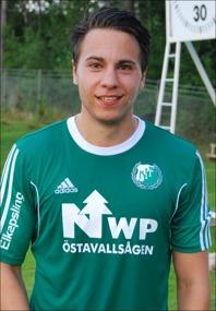 """Giorgius """"Jojje"""" Johansson tröst-målade för Östavall i cupmatchen mot Hudiksvall - men det var matchens grannaste fullträff, en volley rakt upp i krysset!"""