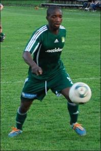Bakary Dampha gjorde 2-0-målet för Lucksta. Foto: Janne Pehrsson, Lokalfotbollen.nu.