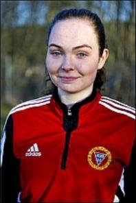 Engelina Nygren kom ner från div. II-laget och hjälpte andralaget till kryss i Ånge efter bl a två mål. I slutminuten var hon ytterst nära att avgöra men den bollen smet precis utanför stolpen.