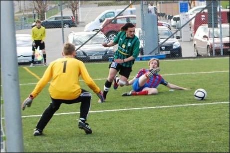 Sidsjö-Böle kom ofta runt på kanterna under matchen och då blev det ofta farligt.