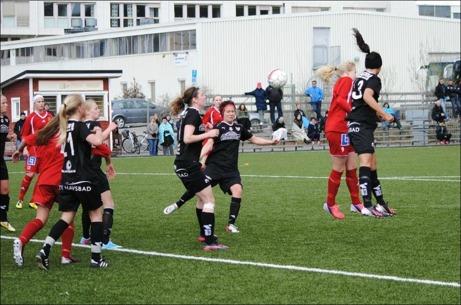 Piteå Södra vann de flesta luftduellerna. Foto: Fredrik Lundgren.