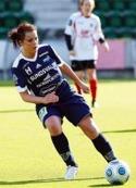 Förre SDFF-anfallaren Linda Sjödin  har gjort comeback i moderklubben Remsle och gjorde ett hattrick mot Heffnersklubban.