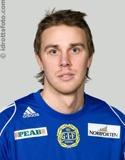 Johan Melander straffade Alnö i derbyt och hans IFK Timrå leder nu trean.