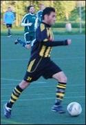 Khoger Friad, här i Kubendressen, hade en kul kväll och satte fyra mål och spelade fram till det femte när Sund 5-2-vann mot Lucksta.