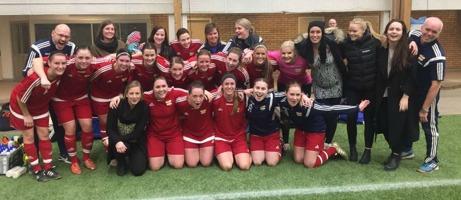 Kovlands IF:s damer spräckte SDFF:s långa svit att segrar i MittMedia Cupen / Inomhusligan. Foto: Kovlands IF.
