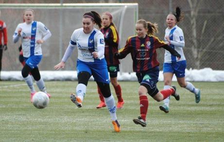 IFK Timrå och Selånger möttes under Värmecupens premiärdag. Division 1-laget vann klart och rättvist med 2-0. Foto: Fredrik Lundgren, Antjärn.