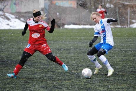 Vitblåskrudade IFK Timrå är klara för final efter 1-0 mot Alnö. Foto: Fredrik Lundgren, Lokalfotbollen.nu.