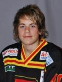 Niclas Möllhagen satte första derbymålet snyggt med ett distansskott.
