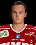 Tommy Stenqvist visade att han även är bra i fotboll och i en snyggare tröja, Medskogs.