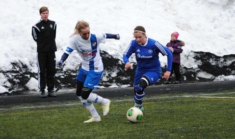 Heffnersklubban i full fart framåt mot första Värmecuptiteln. Foto: Fredrik Lundgren, Lokalfotbollen.nu.