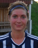 Marielle Bergman fick spela forward och i ren glädje sprutade hon i mål för Kovland i cupen.