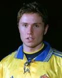 Förre landslagsbacken Mattias Nylund tränar SDFF.