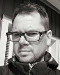 Fredrik Åhsén tränar våromgångens serieledare Kovlands IF.