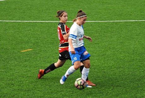 Mikaela Moen & Co i IFK Timrå vände 0-1 till 4-1 sista kvarten hemma mot AFC Luleå. Foto: Fredrik Lundgren, Lokalfotbollen.nu.