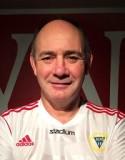 Tony Tomley och hans Alnötjejer kan ta ett rejält kliv mot nytt kontrakt vid seger i derbyt mot IFK Timrå 2.
