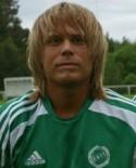 Guldtränaren Henri Sjödal tackar för sig efter seriesegern, här iklädd moderklubben Essviks gröna tröja.