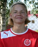 15-årige Helmer Bergström lobbade kyligt in Svartvik 2:s ledningsmål.