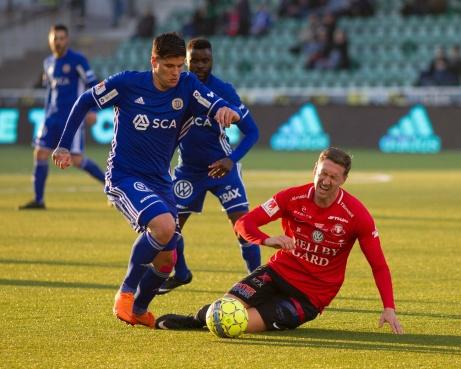 David Batanero var inte lika dominat som mot Malmö FF men visade ändå upp sin fina vänstra passningsfot vid ett flertal tillfällen. Foto: Anders Thorsell, sundsvallsbilder.com