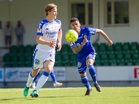 Romain Gall var ett ständigt hot för IFK Göteborgs försvar under i solskenet under söndagen. Foto: Anders Thorsell, sundsvallsbilder.com.