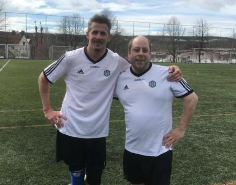 Två tyska landslagsspelare? Nej, Holms tvåmålsskytt mot Kovland, Olle Nordberg, och inhopparen Peter Lind som kom inte och var med och vända matchen.