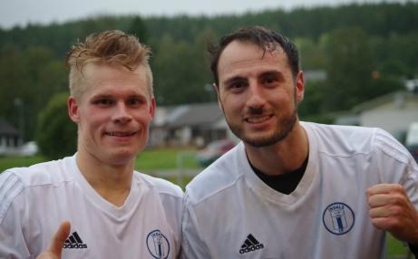 Hemmasonen Robin Jonasson och ArtaganKeskin svarade för två mål vardera när Indal vann hemma på Härevallen över Holm i toppmatchen med 4-2. Foto: Pia Skogman, Lokalfotbollen.nu.