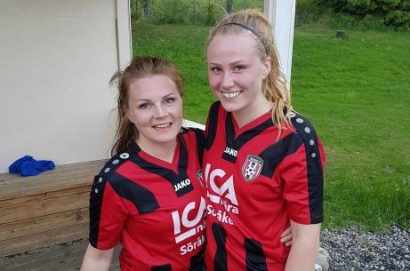 Mötet mellan Sundsvalls FF och Söråker stod länge mållös innan Anna Eriksson (t v) och Emma Granström (t h) satte varsit mål. Foto: Sven Lagerqvist.