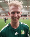 Både mungiporna och håret uppåt på Oliver Widahl efter sitt hattrick.