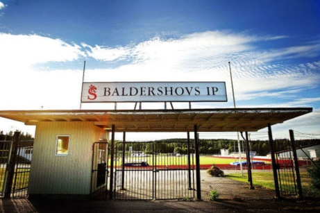 Himlen må vara blå tack vare IFK. Men kommer IFK Sundsvall till spe i division 4 uppe på Baldershovs IP i år efter vinterns spelarflykt?