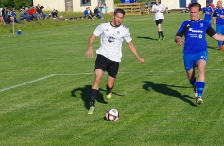 Olle Nordberg kom från IFK Sundsvall inför säsongen till Holms SK och vann redan under sitt första år skytteligan i Medelpadsfemman. 22 fullträffar prickade den gängligen och löpstarke anfallaren in. Foto: Pia Skogman, Lokalfotbollen.nu.