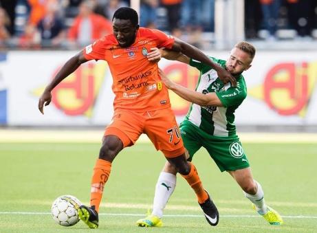 Ifjol åkte Chidi Omeje ur Allsvenskan med AFC Eskilstuna. Vi hoppas på att det inte blir dacapo nu när den store anfallaren tagit klivtet över till Giffarna. Foto: Bildbyrån
