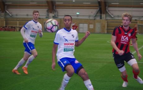 Samuel Kiflit satte två tunga fullträffar i slutet av den första halvleken, både 3-0 och 4-0. Foto: Pia Skogman, Lokalfotbollen.nu.
