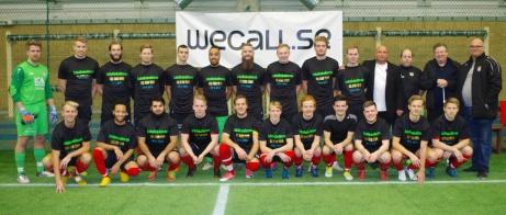 Förväntansfulla grabbar i Lokalfotbollens division 4 All Stars innan matchen mot IFK Timrå. Foto: Pia Skogman, Lokalfotbollen.nu.
