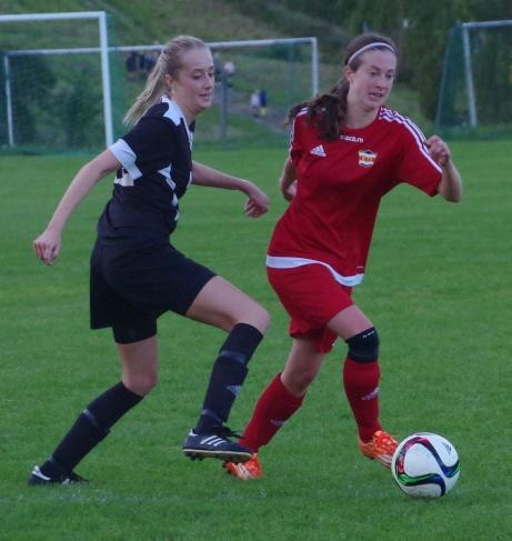 Nathalie Jonasson-Collett. Foto: Pia Skogman, Lokalfotbollen.nu