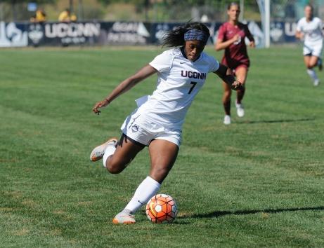 """SDFF:s första """"riktiga"""" nyförvärv är Trinidad-Tobagos landslagsspelare Liana Hinds. Foto: UWSL"""