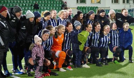 Division 2-laget Kovlands IF är bästa damlaget i Medelpad. Nåja, men man vann åtminstone DM-finalen mot Elitettanlaget Sundsvalls DFF. Och man gjorde det med hela 6-1. Foto: Pia Skogman, Lokalfotbollen.nu.