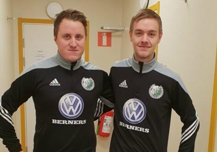 Nyförvärven från Lillhärdals IF, Mattias Larsson och André Rydén, var med i årets premiärmatch för sin nya klubb Östavalls. En match som dock förlorades med 2-3. Foto: Lars-Gunnar Nordlander.