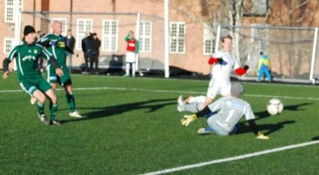 Danne Johansson har gjort mål i Essviksdressen tidigare. Här bland annat mot Lucksta i en match i Värmecupen för några år sedan. Arkivfoto: Janne Pehrsson, Lokalfotbollen.nu.