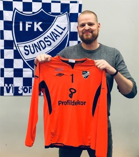 Johan Sundberg är mest känd som forward i Sundsvall Dragons när det begav sig. Nu gör han comeback, men 37-åringen väljer fotboll och sista utpost i IFK Sundsvall. Foto: IFK Sundsvall.