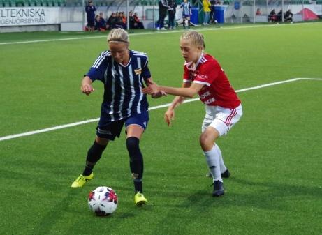 Marlene Ejerås in action igen. Foto: Janne Pehrsson, Lokalfotbollen.nu.