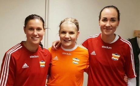 Jenny Nordenberg gjorde ett mål, Emelie Bergh höll nollan igen och lagkaptenen Ida Markström svarade för dubbla fullträffar när Kovland derbybesegrade Heffnersklubban borta med 3-0.
